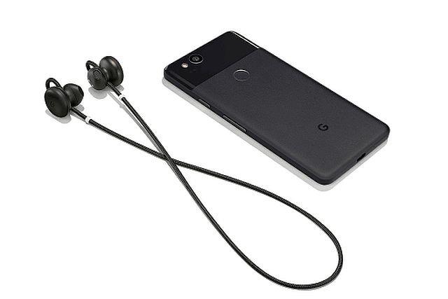 Słcuhawki Pixel Buds i smartfon Pixel. Ten zestaw pozwoli na żywo przetłumaczyć rozmowy w 40 językach