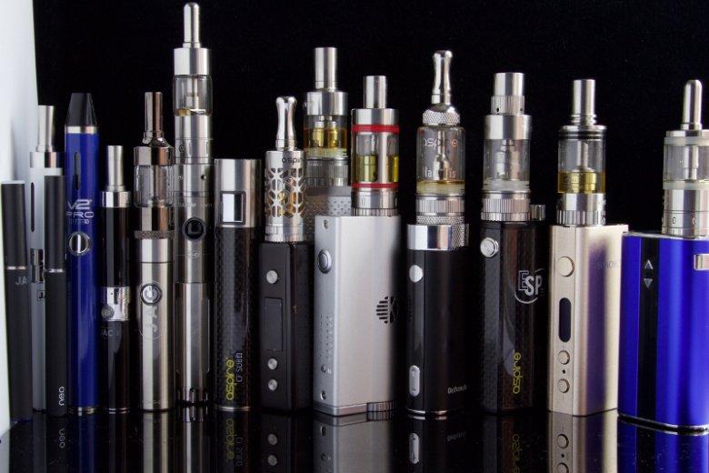 Konstrukcyjnie papierosy bezdymne przypominają elektroniczne papierosy, natomiast stanowią zupełnie osobny produkt