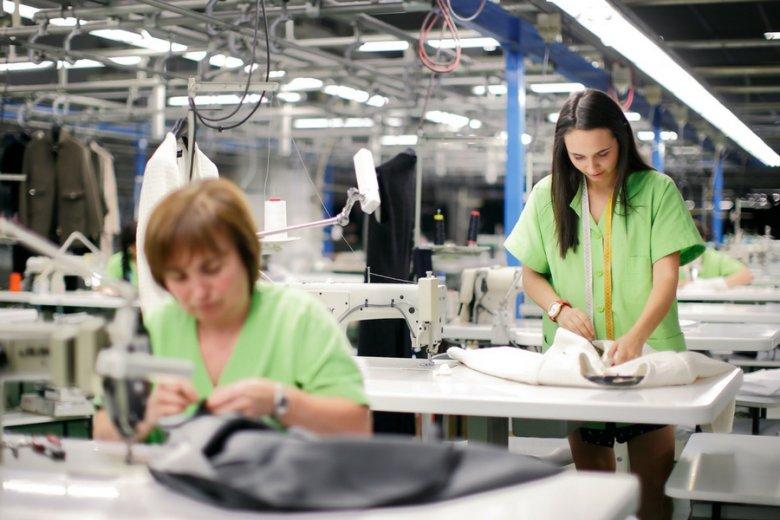 Około 10 proc. sprzedaży produktów hiszpańskiego koncernu pochodzi z handlu online.