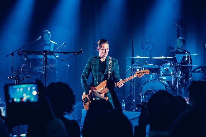 Jubileusz 25-lecia Grupy OKNOPLAST w zakopiańskim hotelu Nosalowy Dwór Resort & Spa uświetnił koncert. Jedną z gwiazd wieczoru był Krzysztof Zalewsk, który zaśpiewał m.in. utwory Czesława Niemena