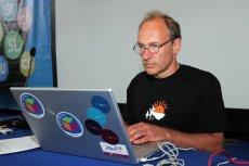 Sir Tim Berners-Lee stworzył internet, jaki znamy. Teraz planuje stworzyć nowy - lepszy i bezpieczniejszy.