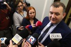 Poseł PO Stanisław Gawłowski jest przekonany, że karty lunchowe w Gazoporcie to zaskarbianie sobie sympatii pracowników.