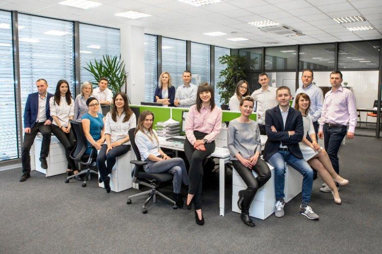 Grupa Press Glass to największy polski producent szyb zespolonych o międzynarodowej renomie. Firma z Nowej Wsi spod Częstochowy posiada fabryki w Polsce, Chorwacji, Wielkiej Brytanii i Stanach Zjednoczonych