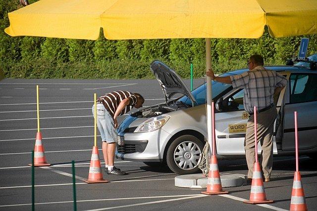 Na ośrodkach zachodzie Polski egzaminy na prawo jazdy zdają tysiące Niemców, którzy stracili prawo jazdy w swoim kraju.