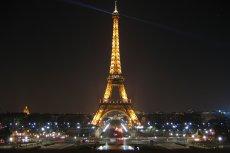 Wieża Eiffla nową ikoną OZE. Na słynnej budowli zamontowano 2 turbiny wiatrowe.