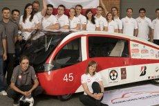Zaprojektowany przez studentów Politechniki Łódzkiej futurystyczny samochód zadebiutował w australijskim rajdzie.