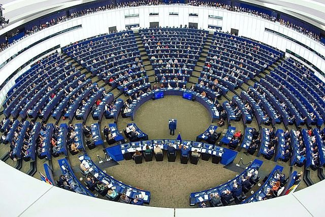 Polscy eurodeputowani podzieleni w sprawie ACTA2