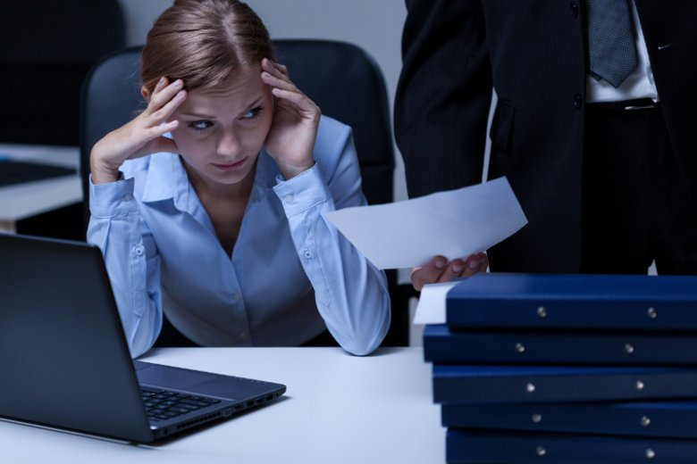 Pracoholik nie jest efektywny. 5 rad dla przedsiębiorców, jak uniknąć wypalenia zawodowego swoich pracowników.