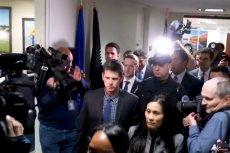 Mark Zuckerberg w drodze na przesłuchanie na Kapitolu.