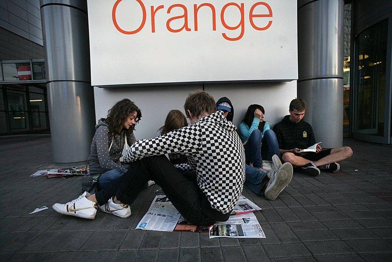 Orange anuluje opłaty klientom, którzy dali się nabrać na oszustwo z kubańskimi numerami