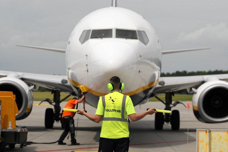Były pilot Ryanaira obnaża kulisy pracy w popularnej linii lotniczej