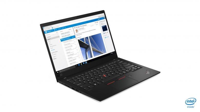 Producent laptopa oferuje nawet 15 godzin pracy na baterii