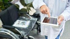 Polscy fizycy z UW tworzą urządzenie, które potrafi wykryć raka za pomocą powietrza wydychanego z płuc.
