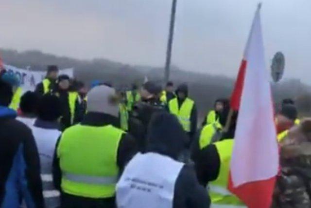 Protest rolników zablokował fragment autostrady A2 w okolicach Pruszkowa