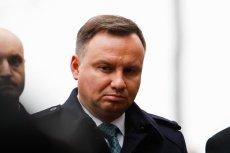 Andrzejowi Dudzie nie podoba się narracja stosowana przez TVP. Z tego powodu zastanawia się nad zawetowaniem ustawy o rekompensacie dla mediów publicznych.