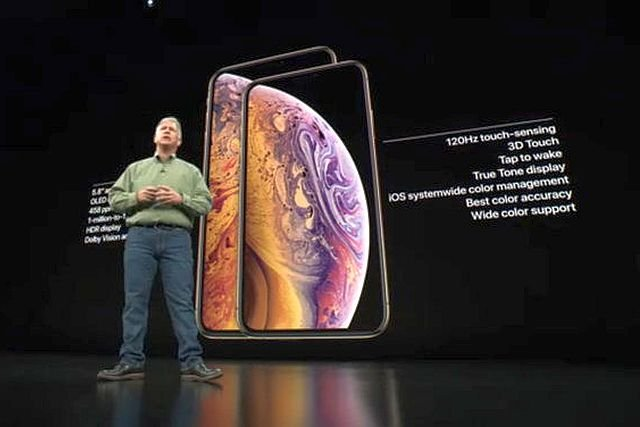 Z nowych telefonów najciekawszy jest model Xr za 749 dolarów