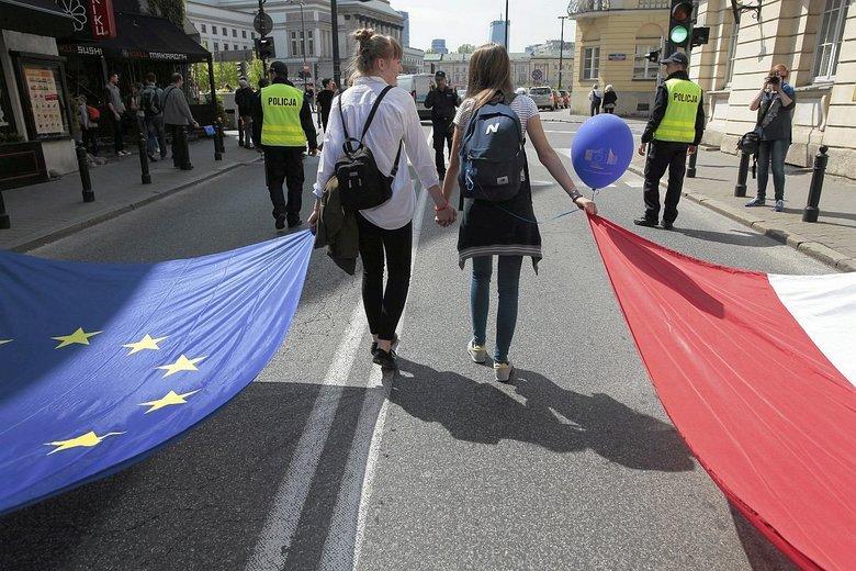 Unia Europejska tworzy nowy wieloletni budżet. Z unijnego tortu Polsce ma tym razem dostać się mniejszy kawałek.
