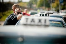 """Aplikacja Taxi Buster ma być w intencji jej twórcy """"batem na nieuczciwych taksówkarzy""""."""