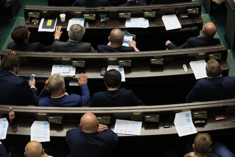 Nowa ustawa przyjęta przez sejm likwiduje konieczność wysyłania deklaracji VAT przez przedsiębiorców.