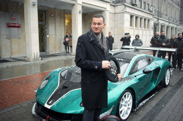 Reklamowana przez Morawieckiego Arrinera również przymierza się do wprowadzenia samochodów elektrycznych. Na razie nie potrafi jednak znaleźć inwestorów