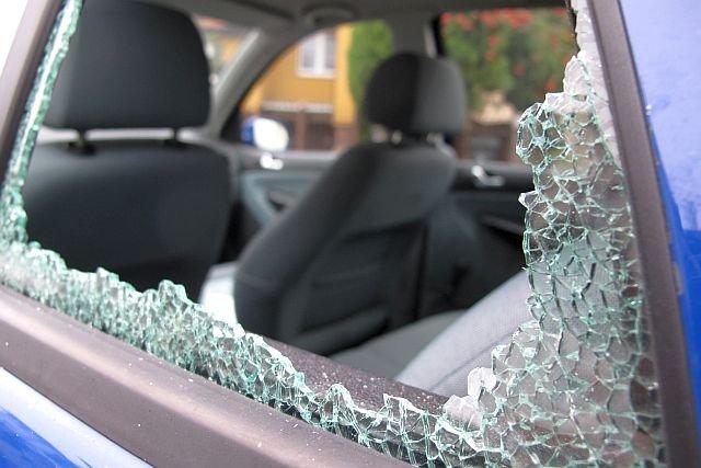 Większość skradzionych samochodów idzie od razu na części
