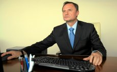 Leszek Czarnecki połączy swoje banki
