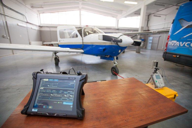 NAVCOM SYSTEMS specjalizują się w obsłudze małych samolotów i śmigłowców