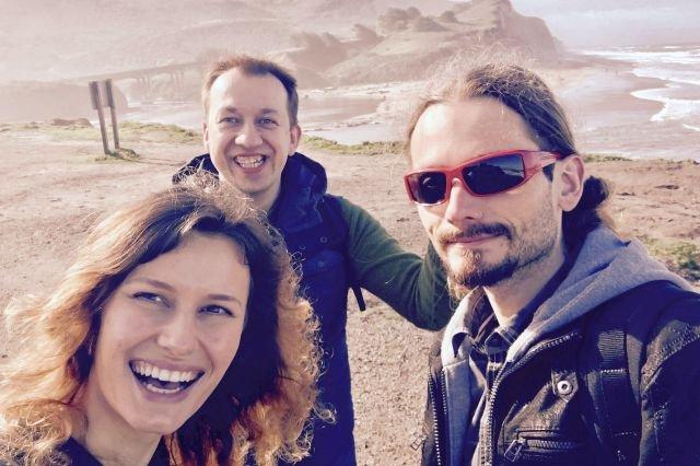 Dr Klaudia Szklarczyk-Smolana, dr Marcin Piechota i dr Sławomir Gołda z Intelliseq