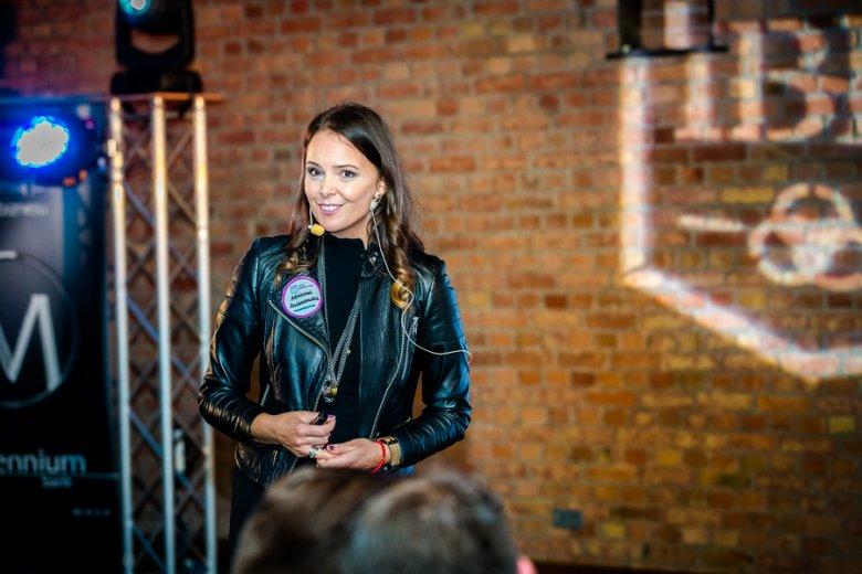 dr Adrianna Lewandowska podczas prelekcji na Kongresie Next Generation, www.nextg.pl