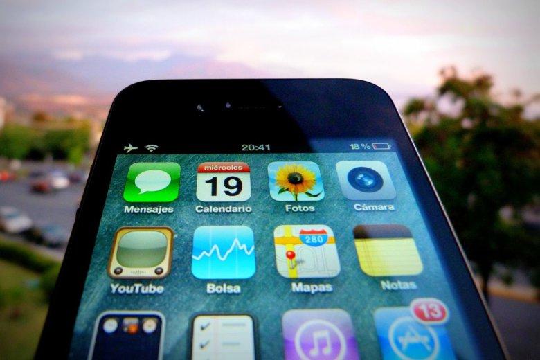 Sprzedaż iPhonów spada w porównaniu z poprzednim rokiem