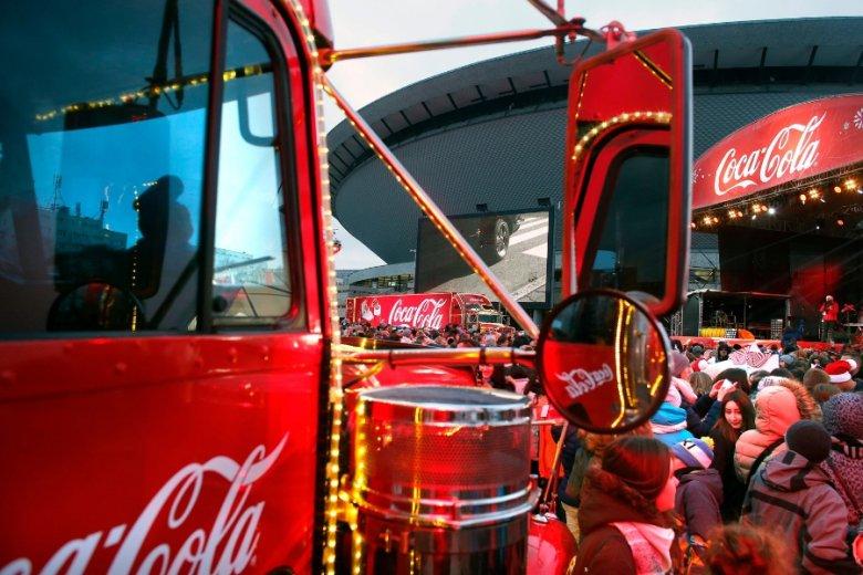 Koncern Coca-Cola wprowadza na światowe rynki kolejne warianty dietetycznej wersji swojego sztandarowego napoju.