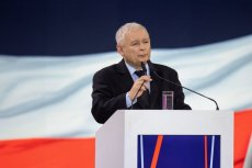 """Kto sfinansuje """"Piątkę Kaczyńskiego""""? Możliwe, że samorządy"""