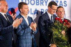 """Poseł PiS Łukasz Schreiber, minister w Kancelarii Premiera, wierzy, że dzięki determinacji swojego szefa """"uratują polskie firmy i miejsca pracy""""."""