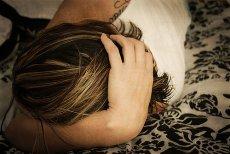 Najnowsze badania na temat bezsenności pokazują, że chroniczne niewyspanie zjada mózg
