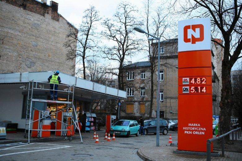 Ceny paliw na stacjach spadają od kilku tygodni. W połowie grudnia były o kilka groszy wyższe niż obecnie. To efekt redukowania wygórowanych marży z poprzednich miesięcy.