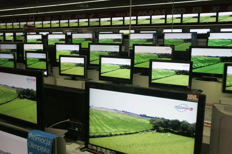 Telewizory mogą różnić się jasnością wyświetlanego obrazu. To nie zawsze kwestia gorszego ekranu