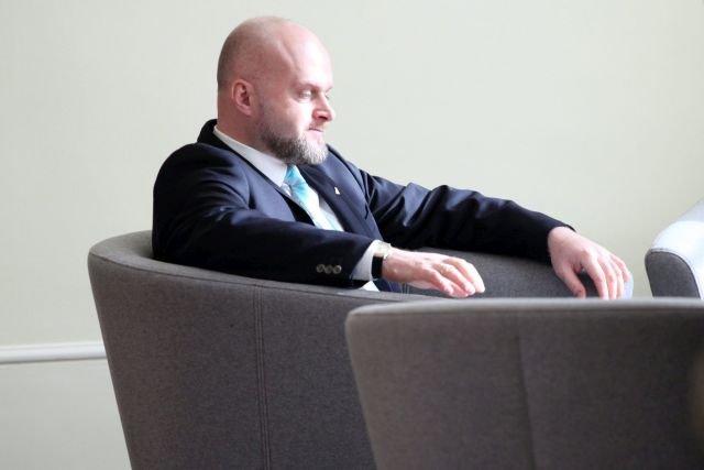 Wiceminister Zdrowia, Krzysztof Łanda. Ministerstwo zablokowało możliwość uprawy medycznej marihuany w Polsce. Trzeba będzie ją importować