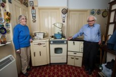 Sydney i Rachel Saunders sprzedają stary, ale wciąż sprawy sprzęt AGD