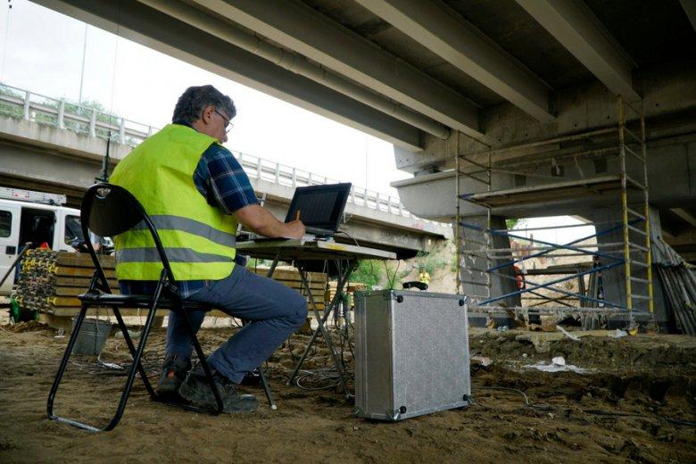 Na polskim rynku pracy brakuje aż 70-80 tys. inżynierów. Trwają prawdziwe łowy na takich specjalistów.