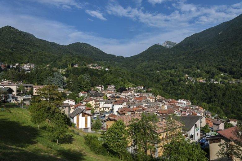 Esino Lario to niewielka wioska we Włoszech, która w niecodzienny sposób zbiera pieniądze