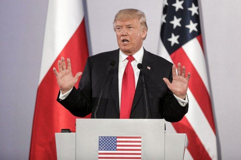 Donald Trump zażądał na Twitterze, żeby amerykańskie firmy wycofały się z Chin.
