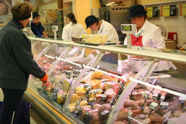 """Inspekcja zatwierdziła zakład do prowadzenia działalności w zakresie sprzedaży detalicznej, a sprzedawca nielegalnie rozszerzył ją sobie o """"obróbkę"""" żywności – uznał Wojewódzki Sąd Administracyjny w Warszawie"""
