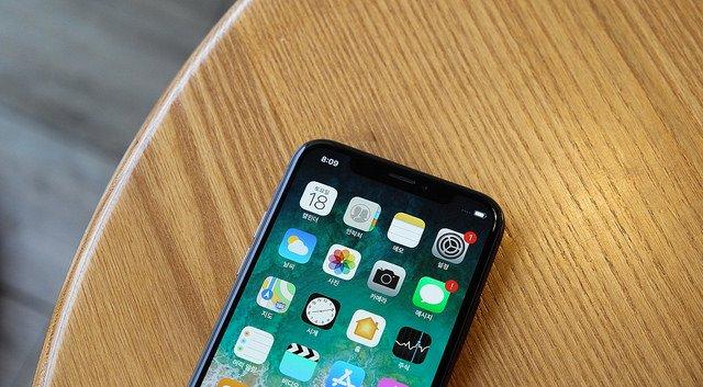 Wyciekły nazwy nowych iPhone'ów. Premiera dopiero dziś wieczorem