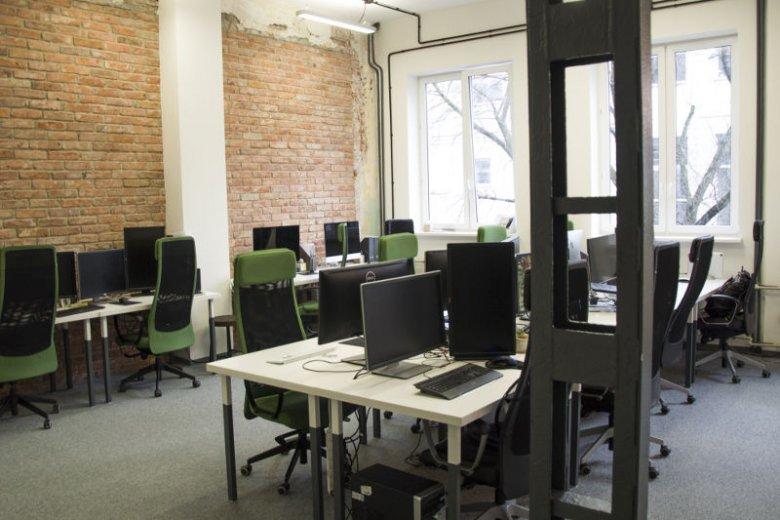 Przy biurkach Absolventa codziennie zasiada ponad 40 osób.