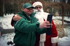 Zaryzykowałbym takie stwierdzenie, że dzisiejszy Święty Mikołaj z reklam i wizerunków jakie funkcjonują w kulturze popularnej, zaczyna nieco przypominać symulakrum, tak jak Myszka Miki czy Darth Vader  – twierdzi dr hab. Marcin Kępiński z Instytutu Etnolo