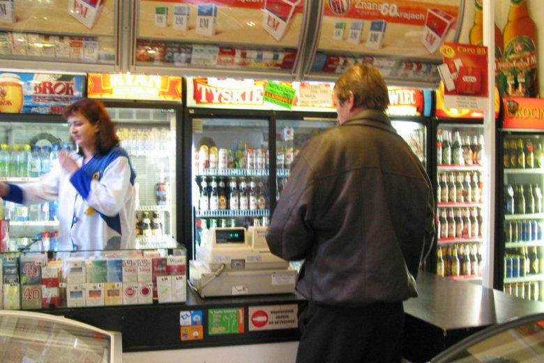 Piwo Stella Artois w butelkach o pojemności 330 ml może być niebezpieczne dla konsumentów. Partia jest wycofywana.