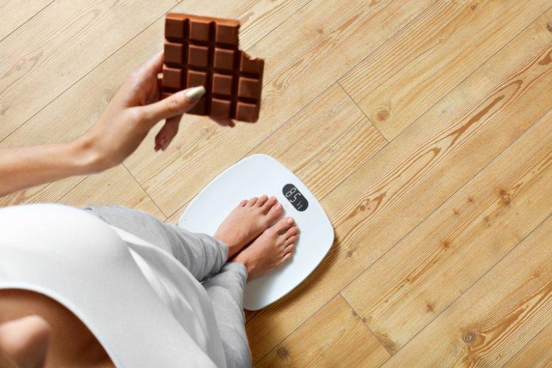 Z cukrami prostymi, w tym glukozą, jest jak z każdym składnikiem odżywczym – musimy go dostarczać w odpowiedniej ilości – bez niedoboru i bez nadmiaru