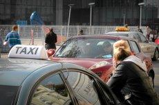 W czasie zamrożenia gospodarki z powodu epidemii koronawirusa najczęściej działalność zawieszali taksówkarze.