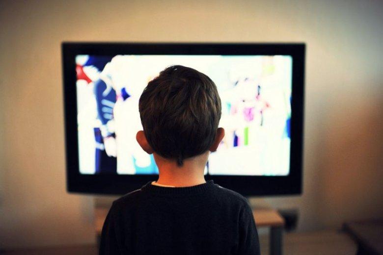 """Jak przekonują specjaliści, z 30-sekundowych """"cytatów"""" z innych dzieł da się zmontować przeciętny program telewizyjny. Albo i nowy film dokumentalny."""