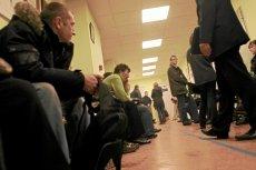 NFZ przyznało swoim pracownikom 10 mln zł nagród, zaś w szpitalach rosną kolejki.